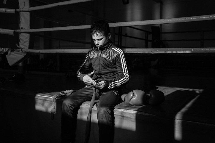 拳击馆伦敦摄影师 Joe Newman 的系列作品 Sweat Not Blood 记录了