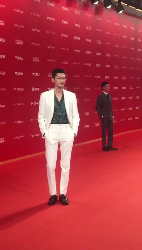 190615  @张翰  上海电影节 今天的杨凯小舅舅A爆全场啊白色西装配上
