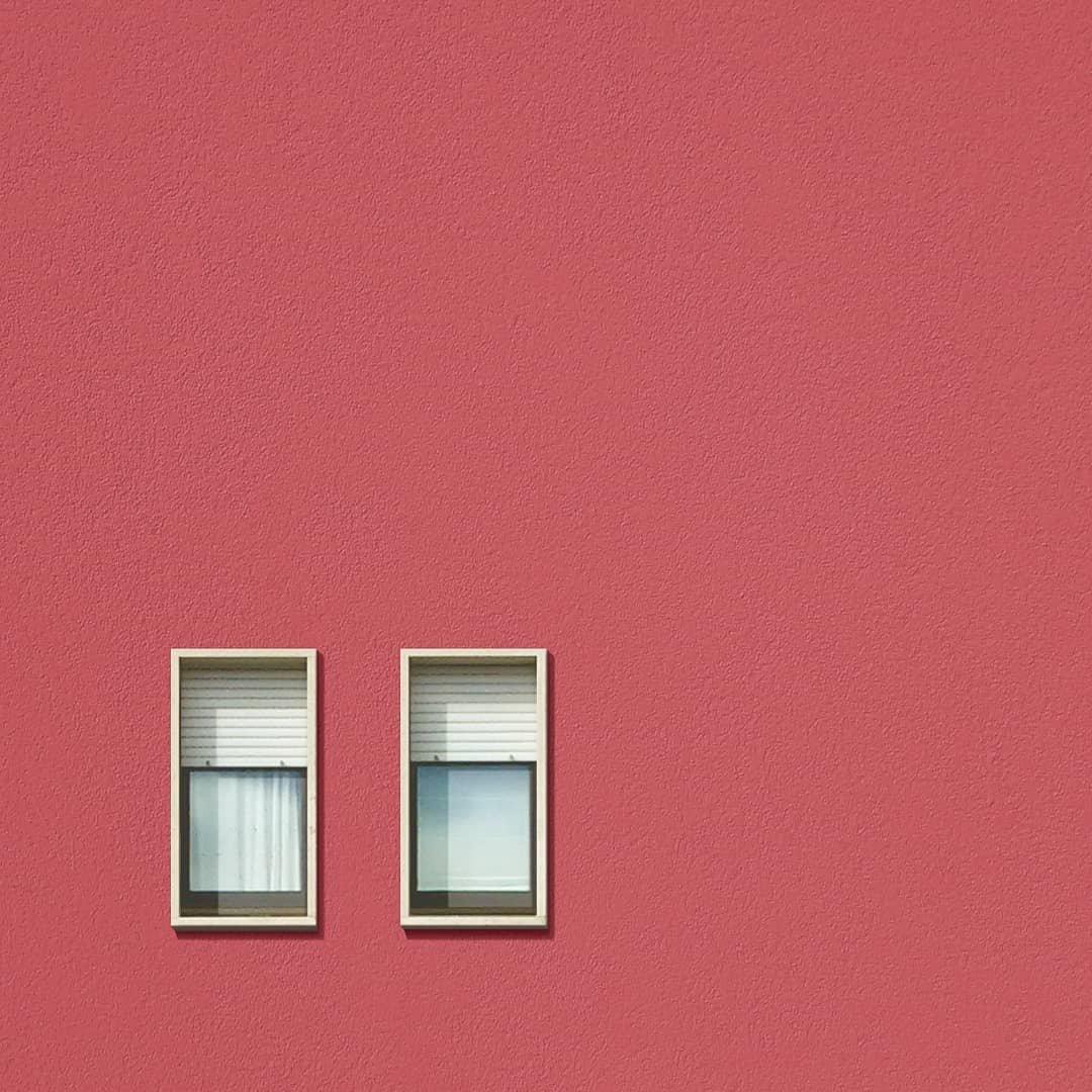 糖果色的窗户。