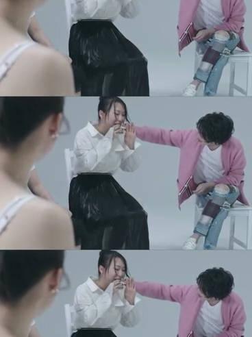 @华晨宇yu《与火星的孩子对话》先导片里贴心为歌迷擦去嘴边的油彩