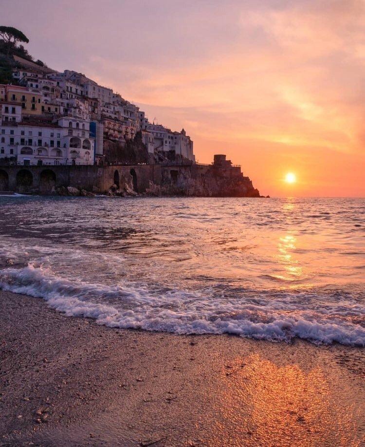 摄影师 Gennaro Rispoli 在距离那不勒斯24英里的阿马尔菲海岸(Amalf