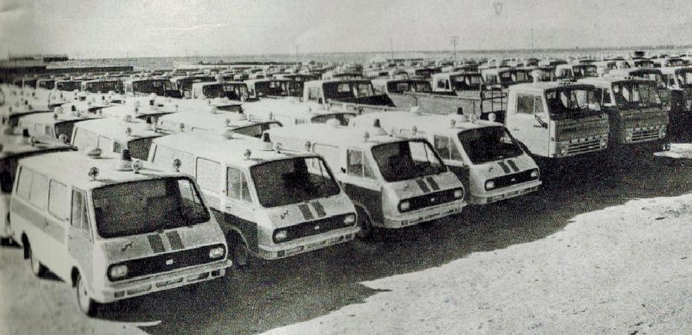 80年代北国边城二连浩特  大量进口的苏联汽车 看你还记得不