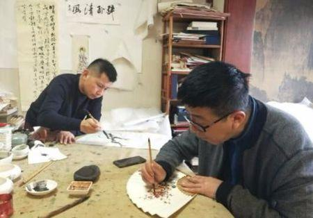 多才多艺?何云伟一幅作品卖五千块,和姜昆侯耀华比还欠些火候