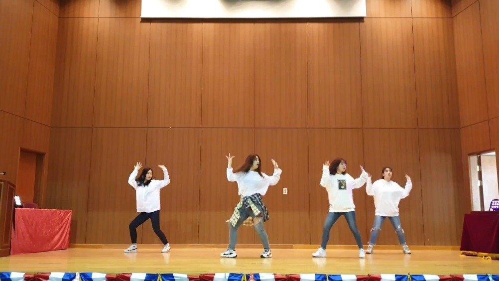 韩国女大学生翻跳WINNER《MILLIONS》,别人班上的女同学