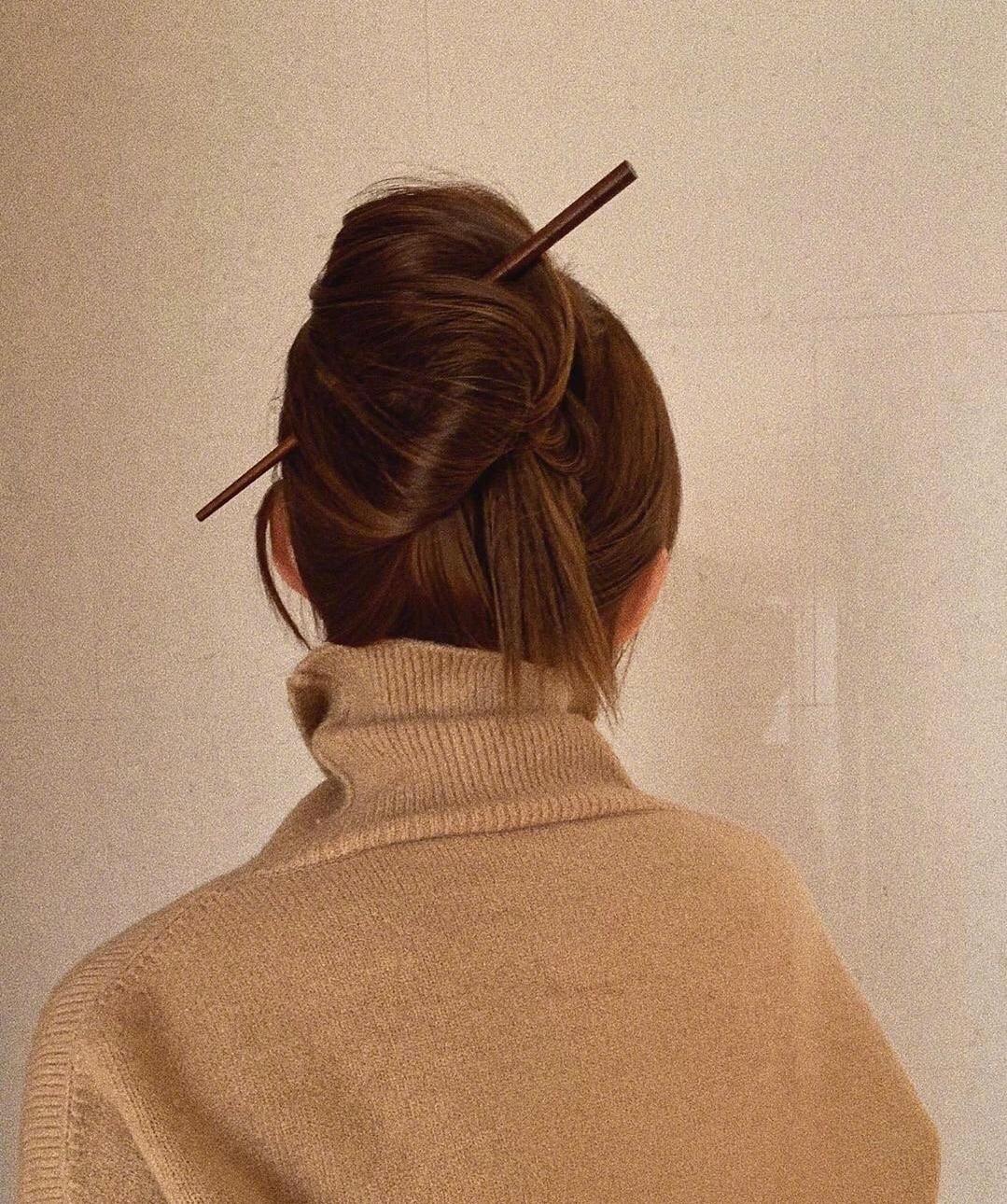 善于利用发饰点缀,会让发型更加分。