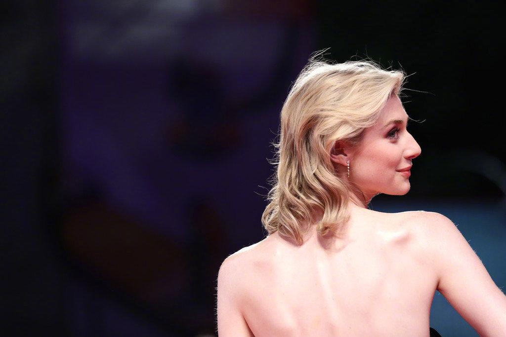 Elizabeth Debicki在威尼斯电影节的红毯照!美到不行