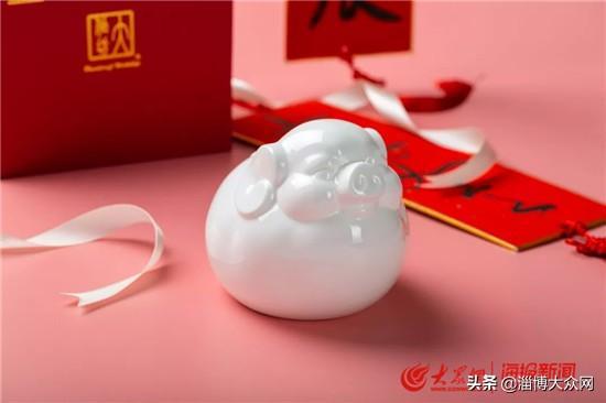 华光国瓷隆重推出「生肖福猪」2019贺岁新品