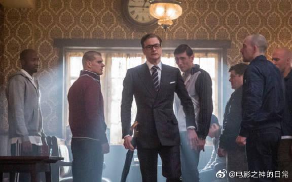 特工大叔被小混混羞辱,一把伞解决了所有人,打人都这么绅士!