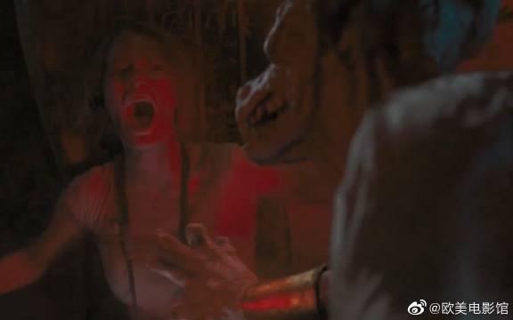 美女探险神秘金字塔,恐怖怪物看中美女心脏,没想到被一斧子反杀?