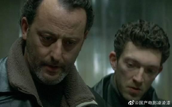 该片讲述了经验丰富的巴黎警探皮埃尔·涅斯曼奉命侦破一起凶杀案