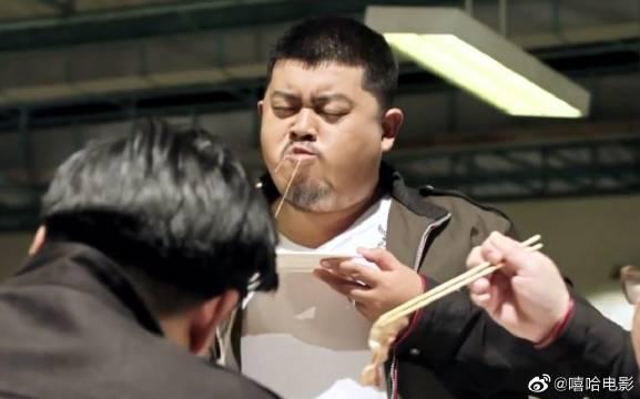 泰国喜剧片:警官因为过度肥胖只能减肥,不然就要被开除!