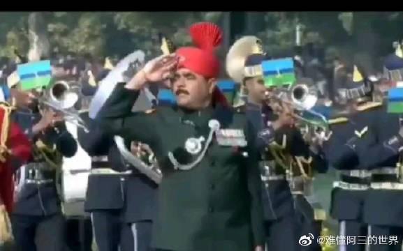 印度三哥的阅兵方阵,看看和我们有什么区别!