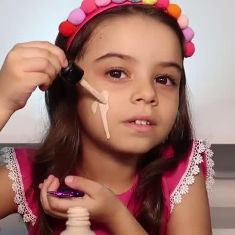 美妆界萌新,好久不见的小宝贝Maria Alice更新化妆教程啦