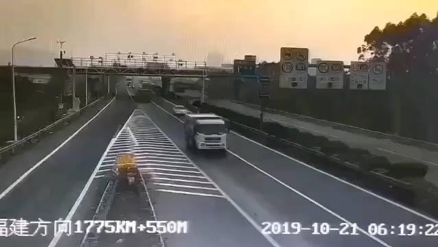 幸亏客车司机技术过硬