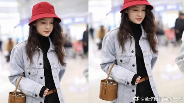 李沁戴小红帽可爱减龄,肤白貌美气质佳