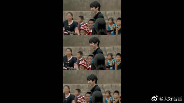 王源与山区孩子唱歌跳舞,善良的小源永远支持你!