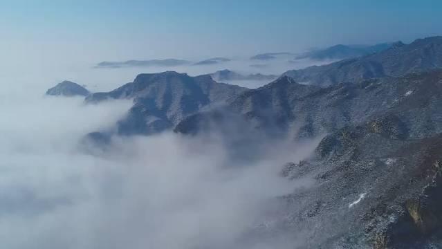 2月28日,河南云台山景区恢复开放,开放首日迎来瑞雪