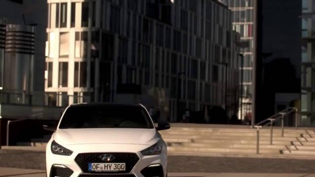 视频:现代i30 Fastback N,无比强大的姿态,极富魅力的运动型外观与内饰