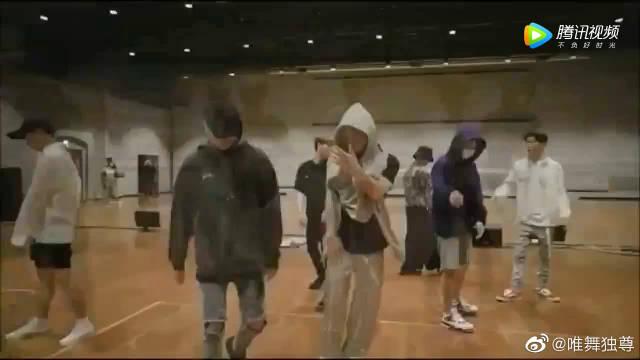 iKON《Worldwide》 练习室镜面版,男神帅得如此随便!