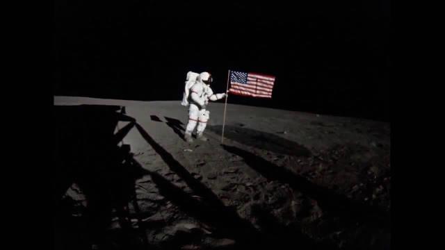 50周年登月系列:2分钟,看完2名宇航员是如何在月球上插进国旗的