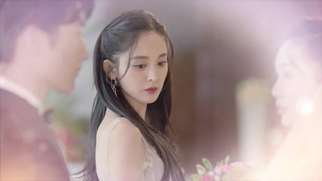 以为是袁莱的婚礼,靳燃幼稚抢婚,乌龙时分还能保持冷静