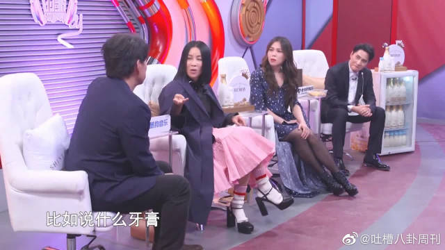 周华健唱过很多广告歌,蔡健雅建议周华健收集起来出个专辑