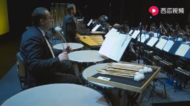 """007电影之""""詹姆斯·邦德组曲"""",音乐会现场版,经典爵士风情"""