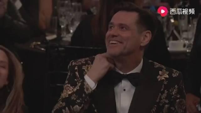 金·凯瑞获卓别林杰出喜剧奖,慷慨激昂的致辞,再现逗比本色