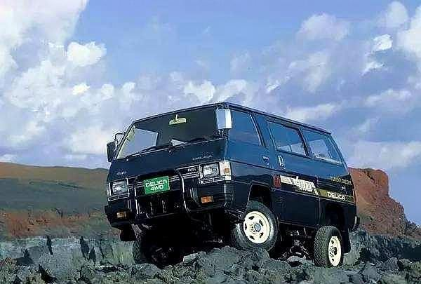 三菱得利卡全地形越野面包车,柴油引擎,8速手自一体,适时四驱