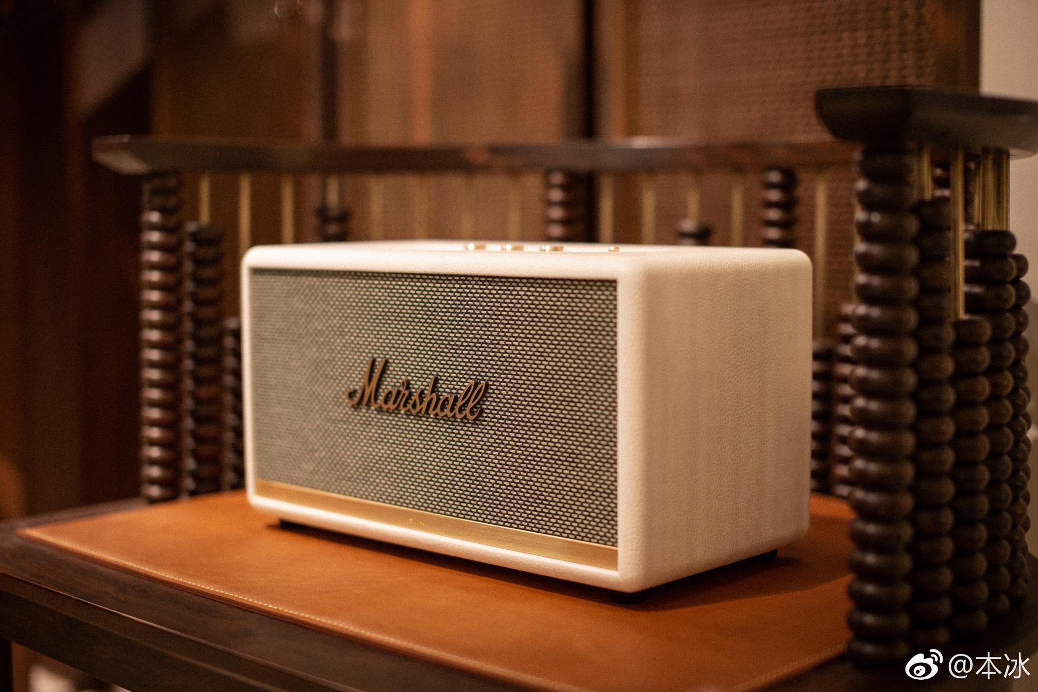 完美传承了marshall的设计元素,从外观到质感再到音质和内涵都摇滚感