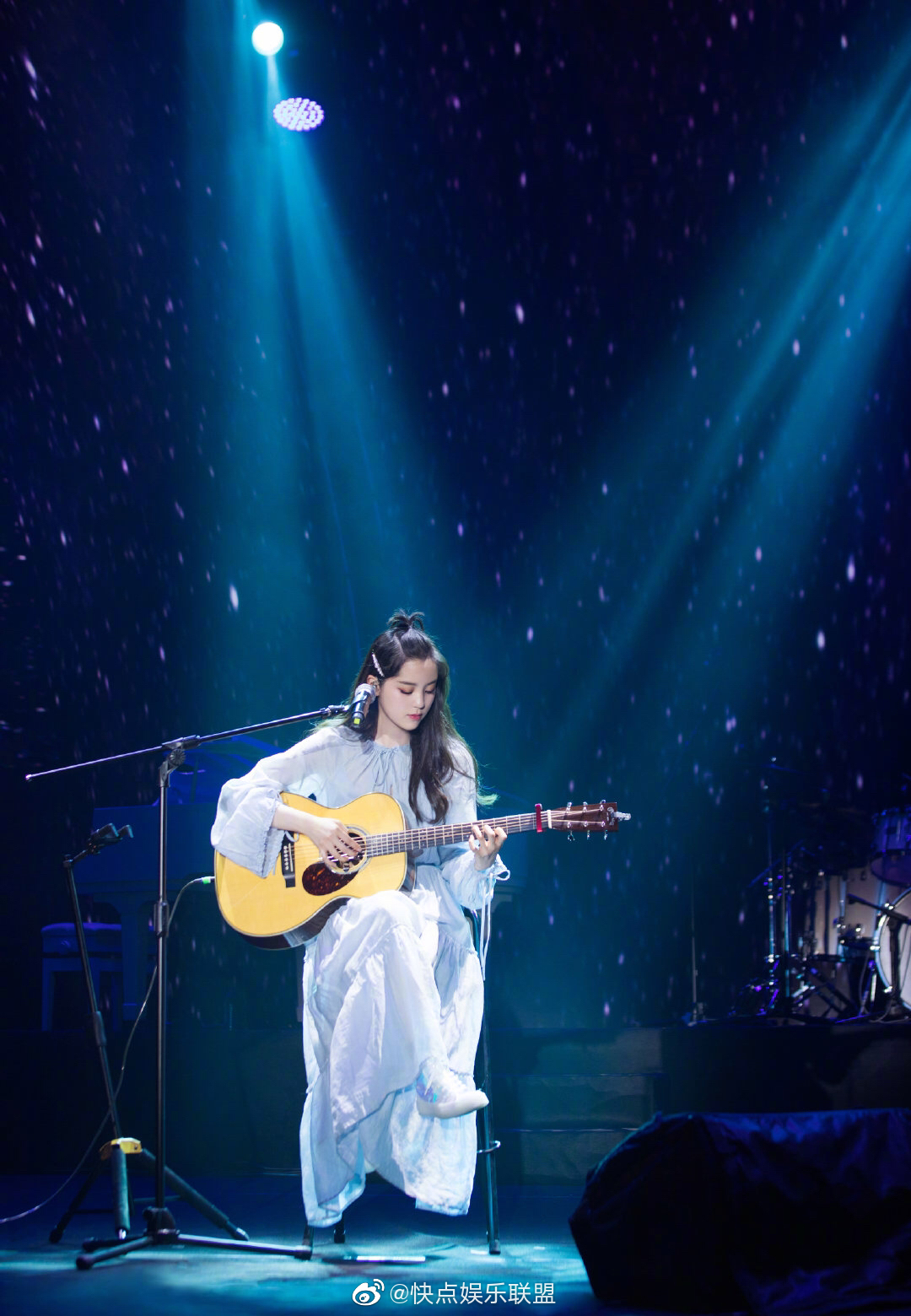 @歐陽娜娜Nana 十周年巡回音乐会南京站造型,有颜有才的小仙女