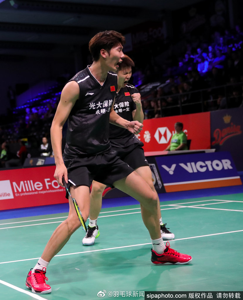 男双李俊慧/刘雨辰2-1胜中国台北的李哲辉/杨博轩。