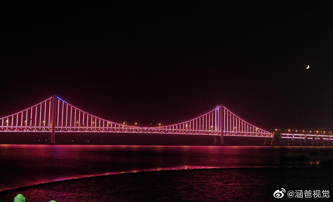 夜色中的星海湾跨海大桥