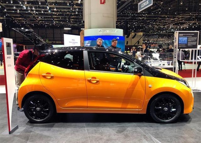 """丰田牌""""奔驰smart""""亮相,配1.0L三缸发动机,油耗仅3.9L!"""