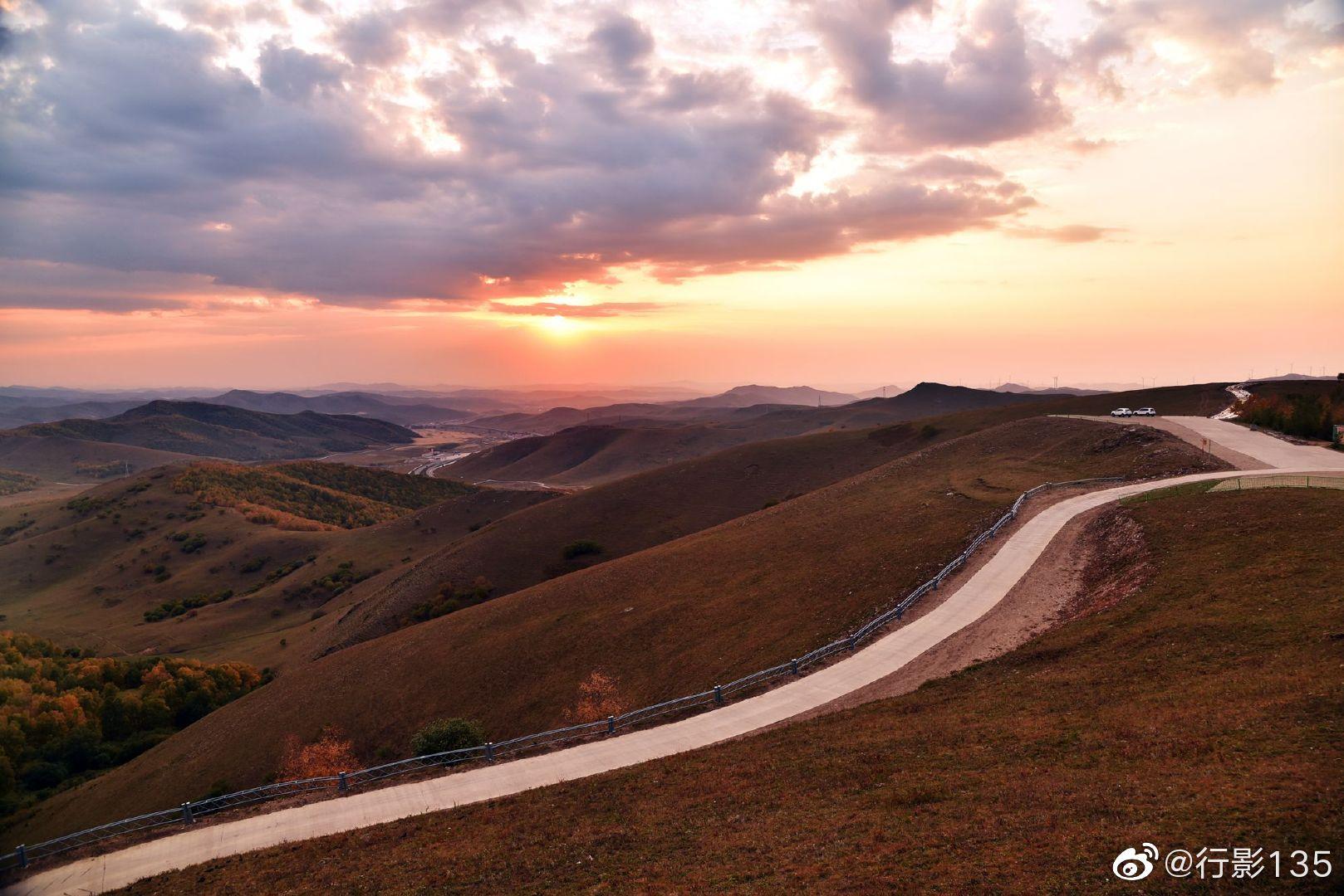 承德丰宁坝上,京北第一天路,千松坝国家森林公园,登上高处观景台