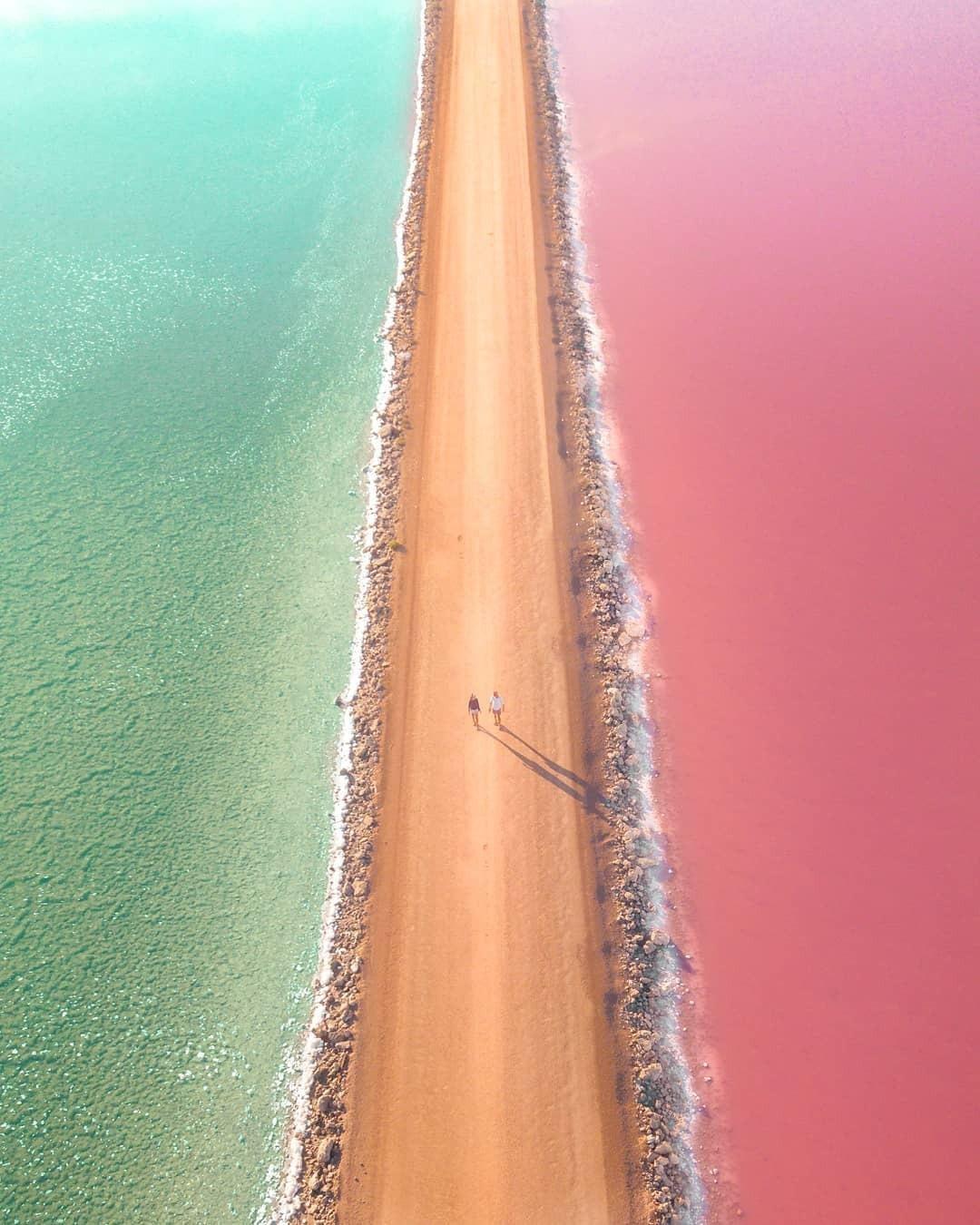 澳大利亚   充满梦幻少女心的麦克唐纳尔湖。