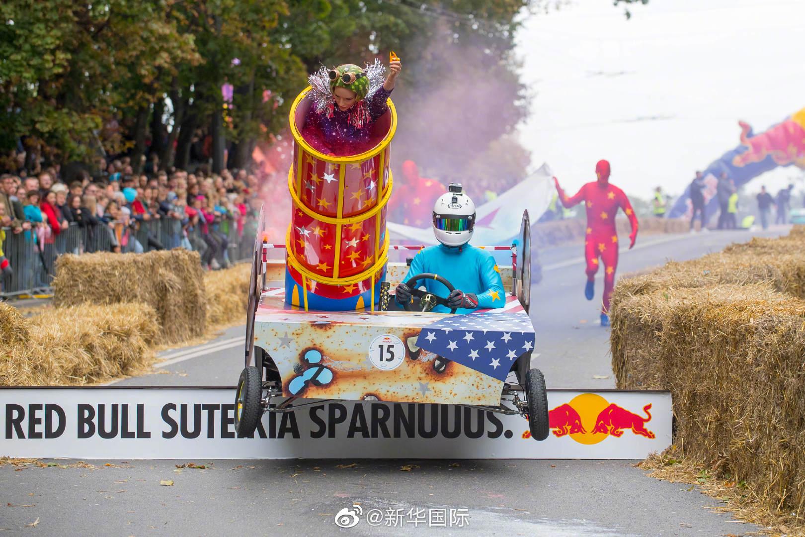 脑洞大开!立陶宛举行肥皂盒汽车赛创意打几分