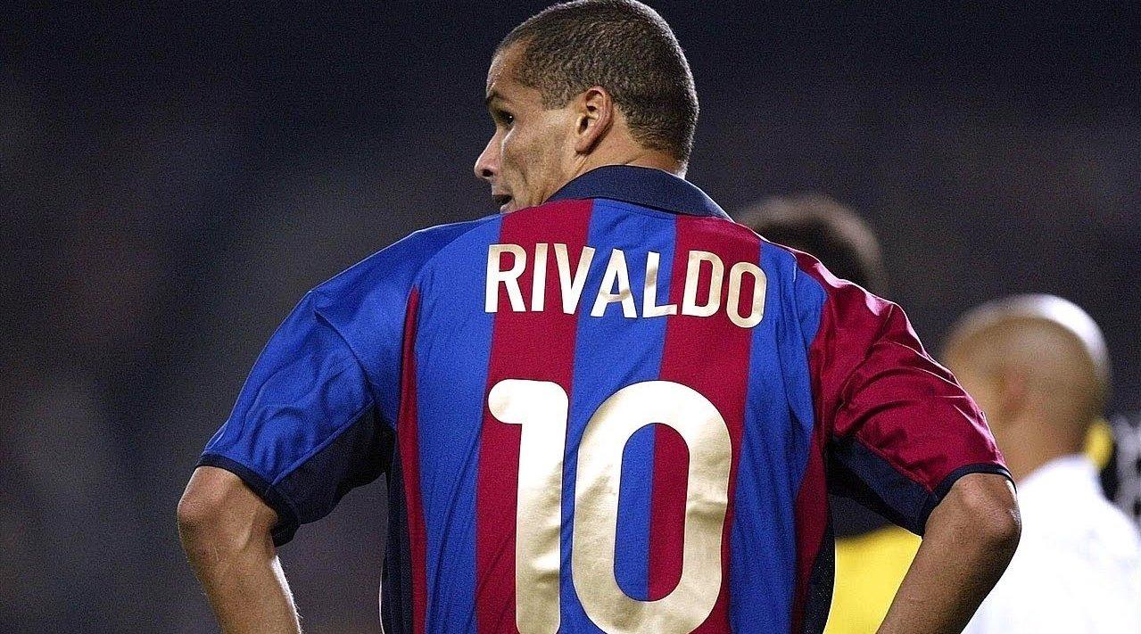 世界足球先生里瓦尔多是怎么踢球的。