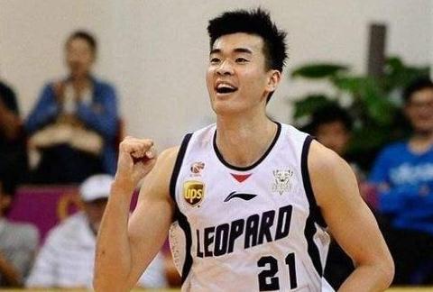 深圳男篮队员李慕豪是不是走下巅峰了?为什么?