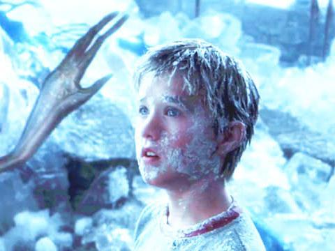 男孩为找母亲被冰冻2000年,醒来时发现人类灭绝,外星人统治世界