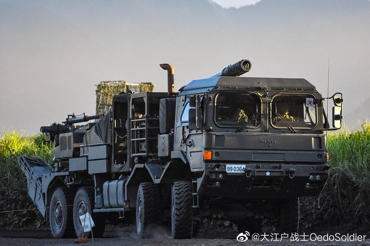 日本新型155mm车载加榴炮