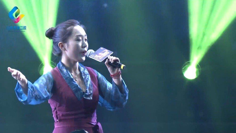 青岛理工大学的次旦央吉,演唱《我的喜马拉雅》