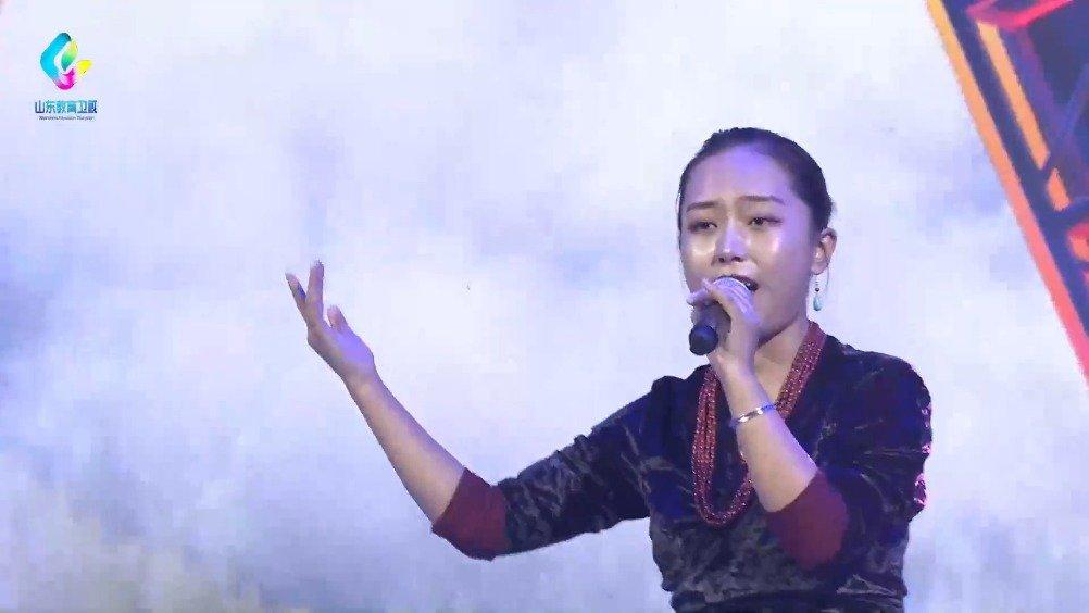 青岛理工大学的次旦央吉,演唱《弦子》