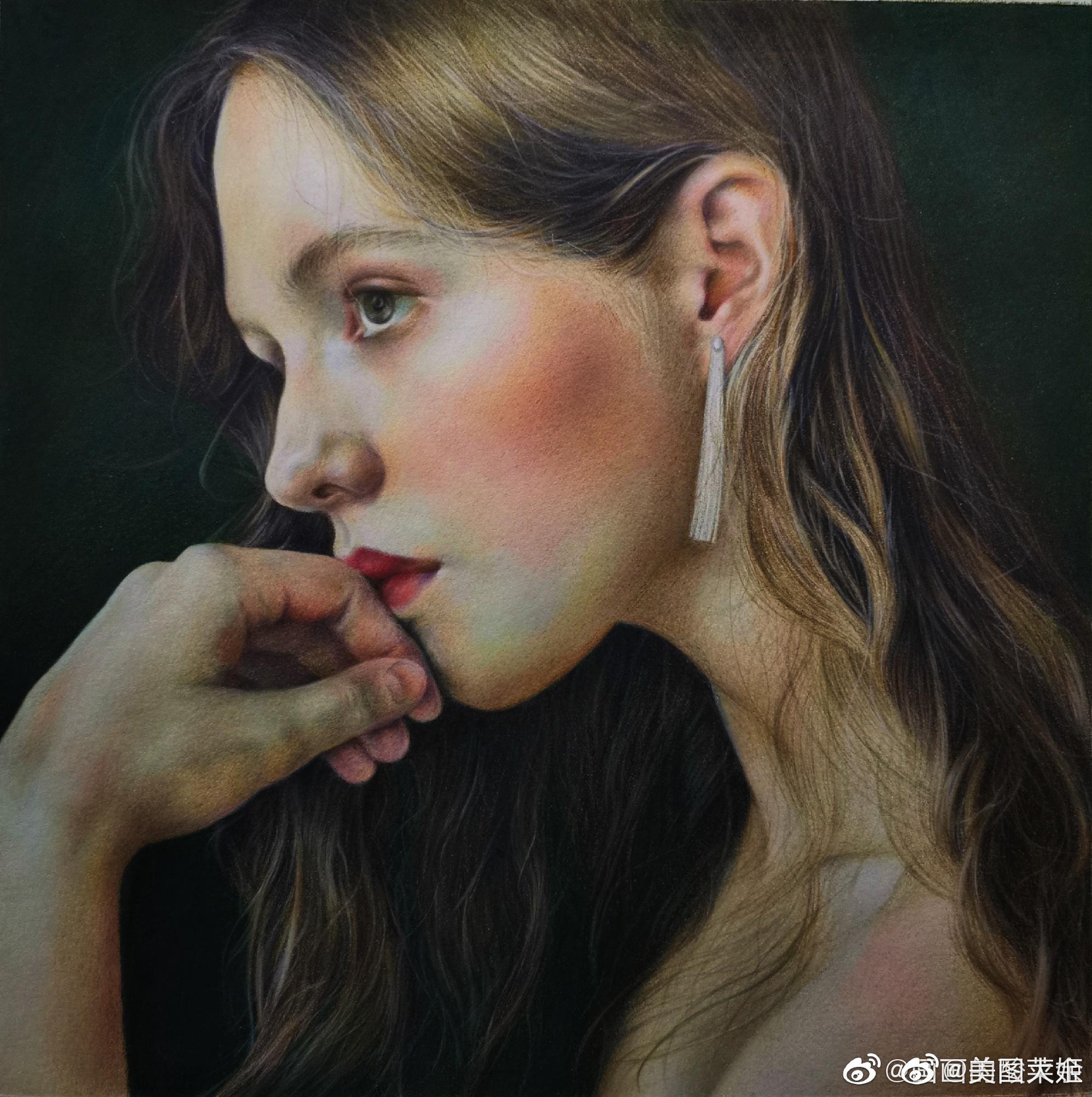 彩铅画手绘作品    美女作者:画画的酸菜鱼