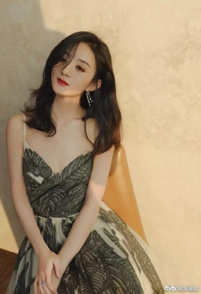 沉寂一年,赵丽颖打败杨紫获年度最具商业价值艺人,她凭什么?