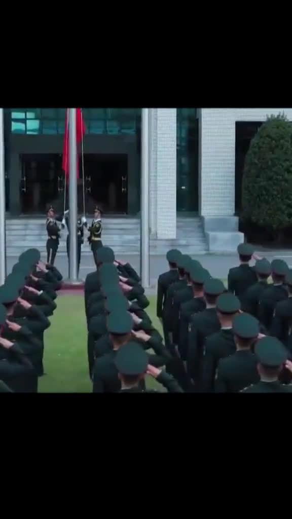 驻澳门部队红旗飘飘
