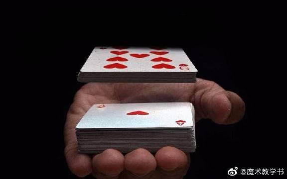 纸牌悬浮术,360无死角观看,一点破绽都没有!