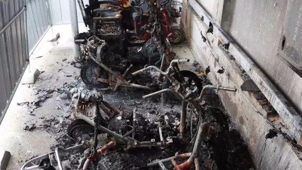 广西大学一电车充电站深夜起火!紧急关头,竟是它救了大家