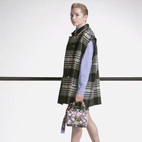 米歇尔威廉姆斯也出镜了Louis Vuitton早秋包包系列的新广告宣传短片