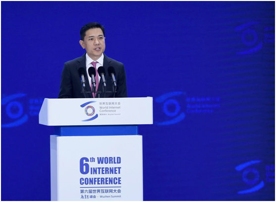 李彦宏:智能经济将成为拉动全球经济重新向上的核心引擎